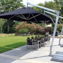 Why cantilever umbrellas are the best for fashion and function